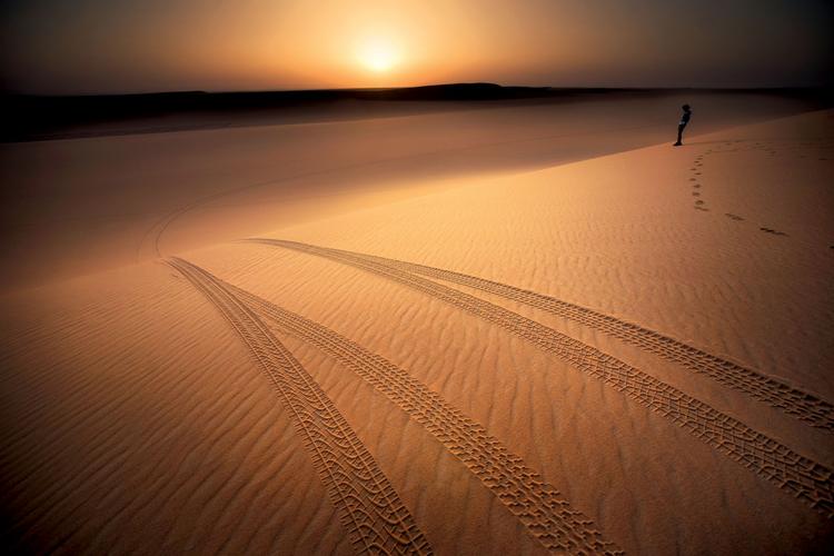 dz03NTA=_src_7880-fotografowanie_plener_pustynia